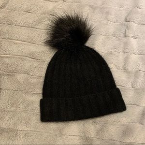 Aritzia Knitted Hat With Fluff
